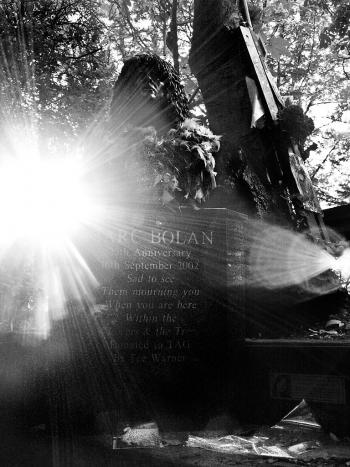Mark Bolan shrine, Barnes