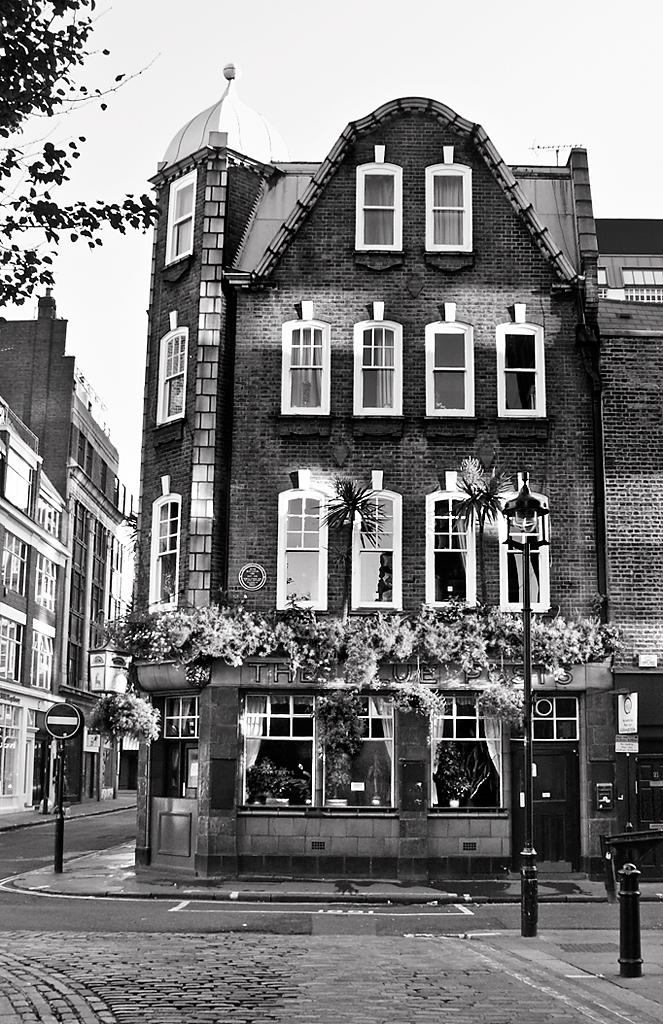 Blue Posts, Berwick Street