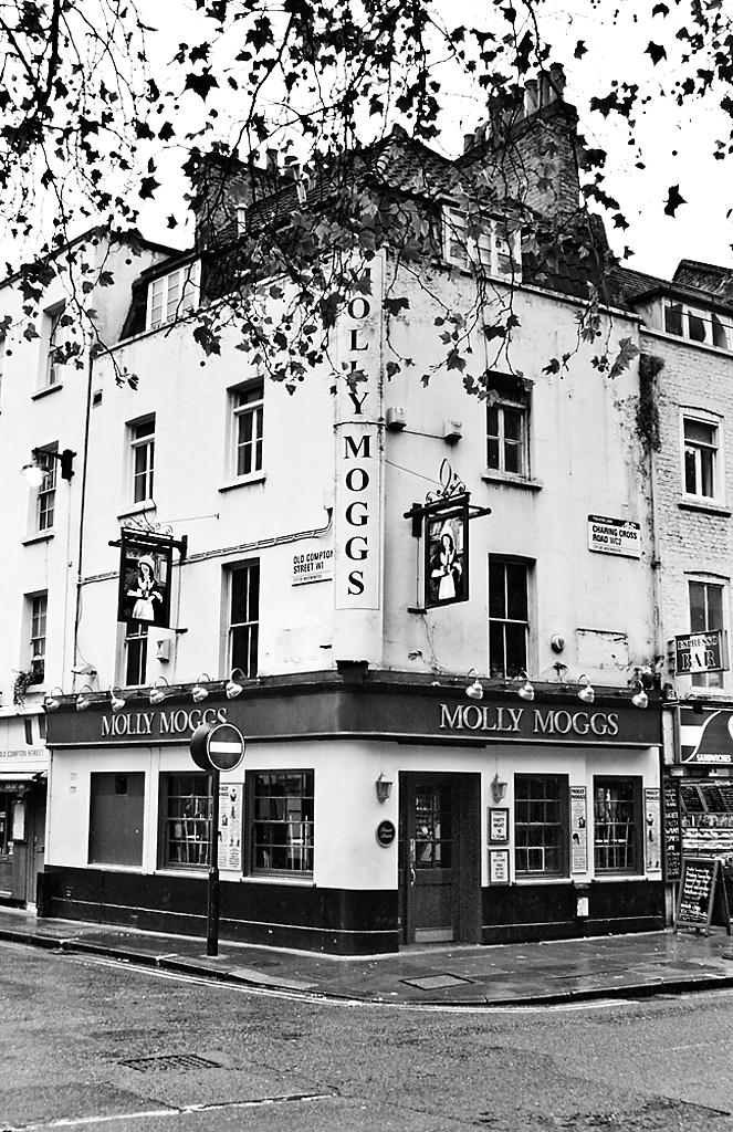 soho pubs gallery smoke  london peculiar